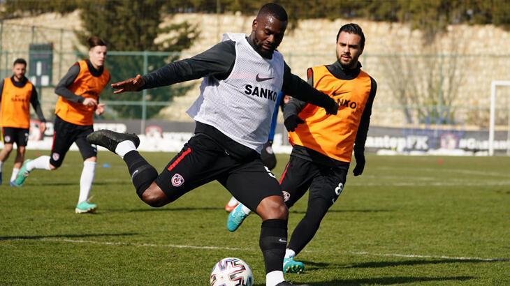 Gaziantep FK, Galatasaray maçı hazırlıklarına başladı