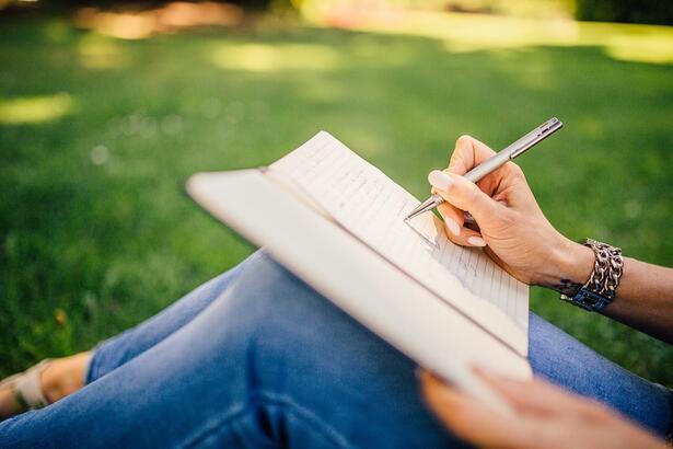 Göz Altı Nasıl Yazılır? Tdk'ya Göre Gözaltı Kelimesinin Doğru Yazılışı Nedir?