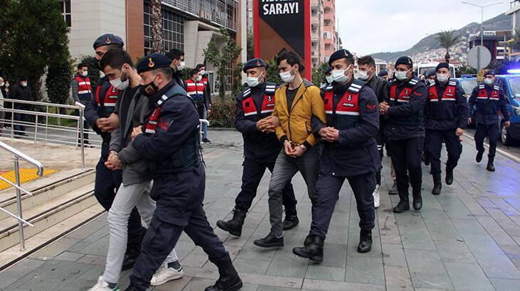 'Dalgakıran' uyuşturucu operasyonunda yakalanan 20 şüpheli daha adliyede
