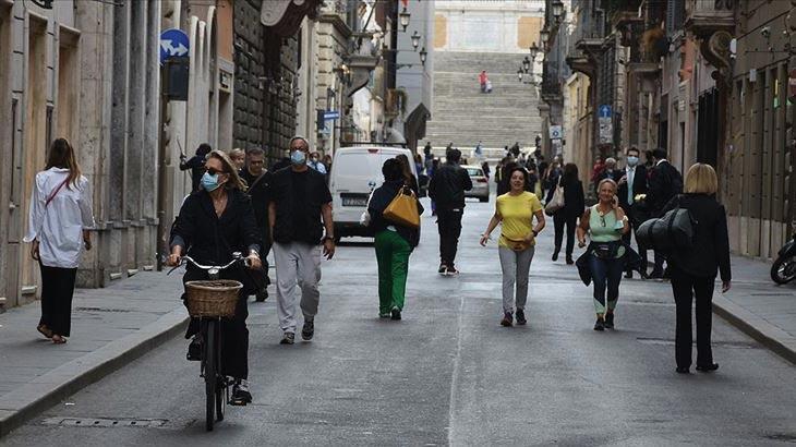 İtalya'da son 24 saatte Kovid-19'dan 541 kişi hayatını kaybetti