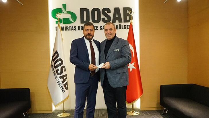 Bursaspor'da kampanyaya katılan iş insanları çeklerini teslim etti