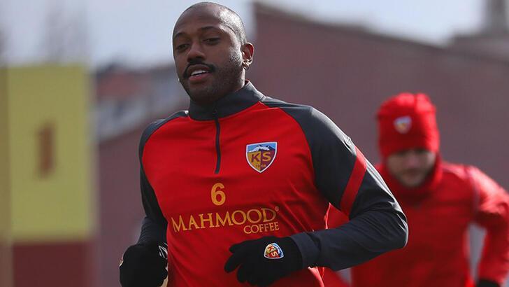 Kayserispor'da Fernandes, Kanga ve Manzala kadro dışı bırakıldı!