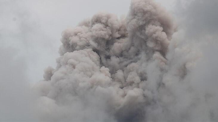 Merapi Yanardağı'nda son 24 saatte 52 patlama