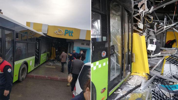 Belediye otobüsü PTT binasına girdi