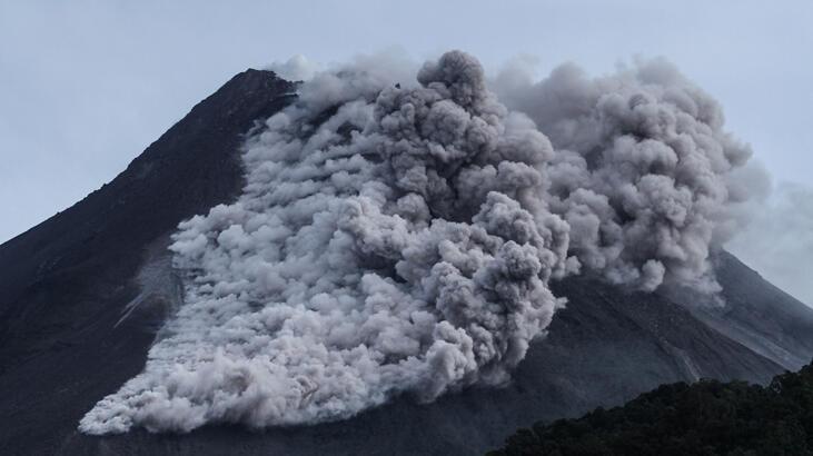 Merapi'de hareketlilik bitmedi, uyarı üstüne uyarı geliyor