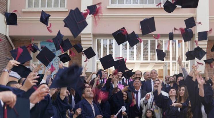AÖF mezuniyet belgesi ne zaman, nereden alınır? AÖF mezuniyet şartları nelerdir?