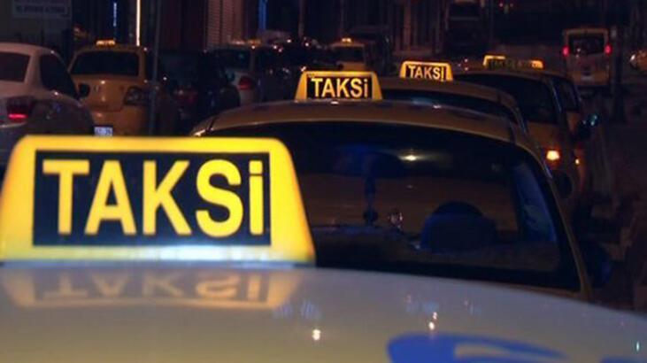 Yoldan geçenler fark etti... Takside vahşi cinayet