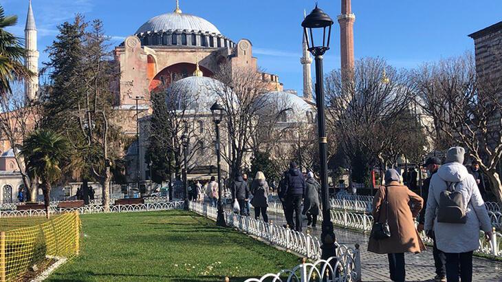Sultanahmet Meydanı turistlere kaldı