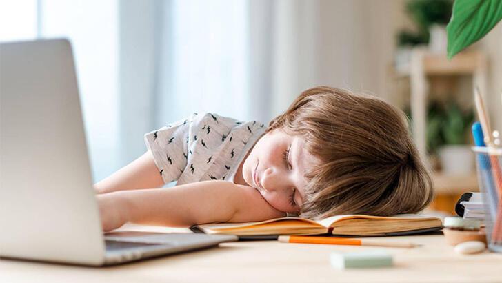 Anne-babalara tatil sonrası okula uyumda yardımcı olacak öneriler