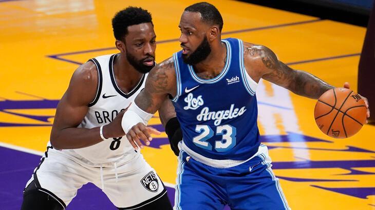 """LeBron James NBA'de """"35 bin kulübü""""ne girdi"""