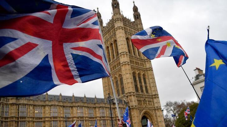 İngiltere'de en yüksek kamu borçlanması kaydedildi