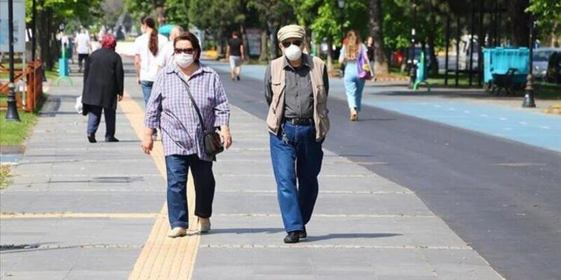 65 yaş üstü sokağa çıkmak nerede yasak? Hangi illerde 65 yaş üstü sokağa çıkma yasağı yok?