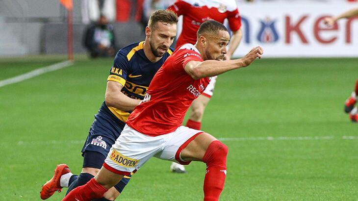 Antalyaspor'un deplasman galibiyet hasreti 6 haftaya çıktı
