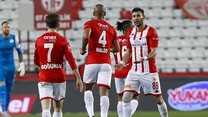 Antalyaspor'un 7 maçlık iç saha yenilmezlik serisi son buldu