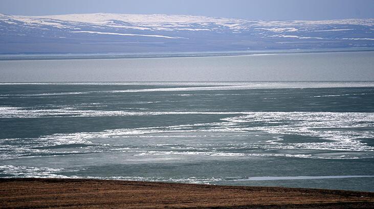 Burası Çıldır Gölü! 'Eskimo' usulü avlanıyorlar