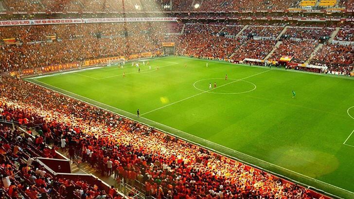 Son dakika - Galatasaray'da taraftar için izin çalışması!