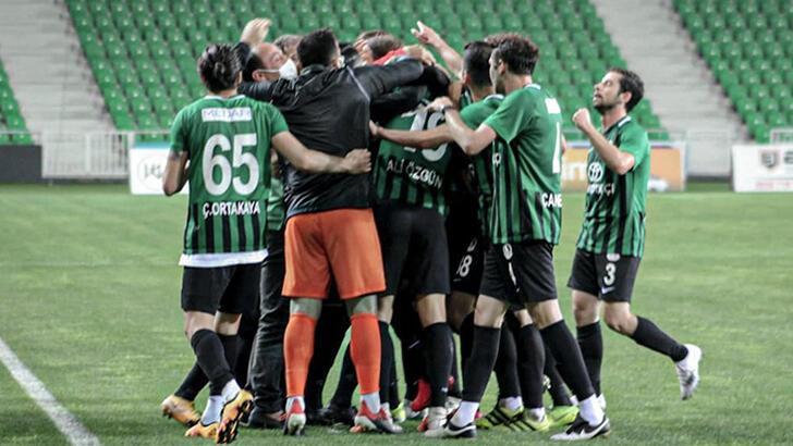 Son dakika - Misli.com 2. Lig'de finalin adı Kocaelispor - Sakaryaspor oldu!