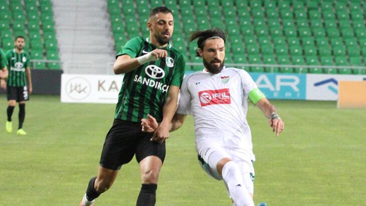 Kocaelispor ile Sakaryaspor TFF 1. Lig'e son bileti almak için mücadele edecek