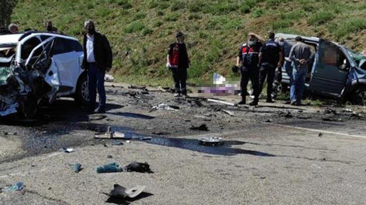 Son dakika... Sivas'ta katliam gibi kaza! 9 kişi öldü