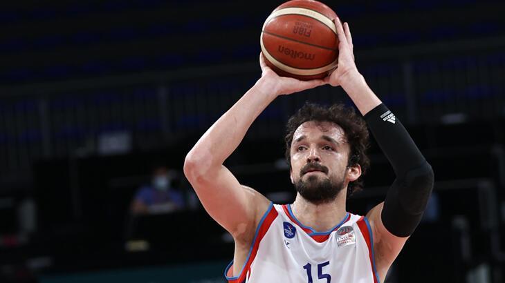 Karşıyakalı eski basketbolcular yıldız oldu