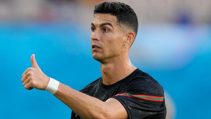 Cristiano Ronaldo son otelini New York'ta açtı