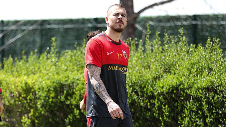 Son dakika - Kayserispor'da Denis Alibec ile yollar ayrıldı
