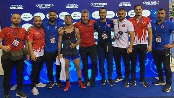 Son dakika - Dünya Yıldızlar Güreş Şampiyonası'nda 8 madalya