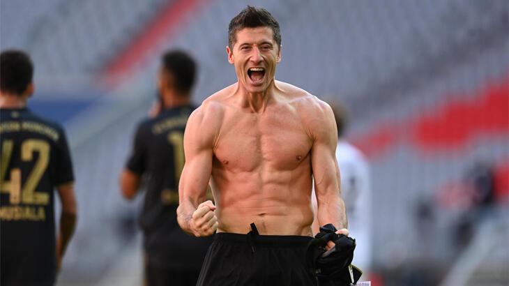 Lewandowski, Almanya'da yılın futbolcusu seçildi
