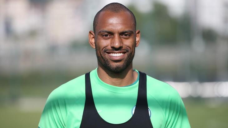Giresunsporlu Douglas: Türkiye'deki Süper Lig için çok motiveyim