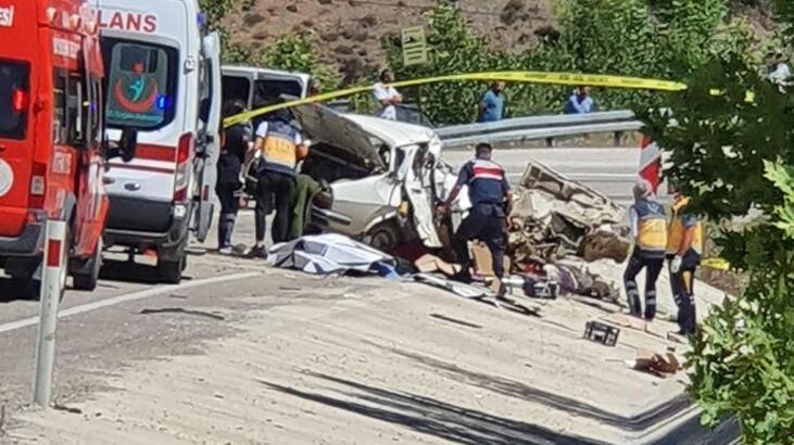 Adana'da düğün yolunda feci kaza! 5 ölü, 1 yaralı... - Son Dakika Haberleri  Milliyet
