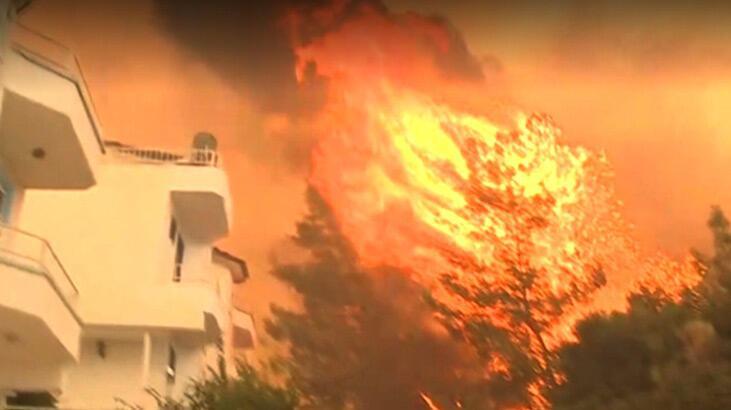 Son dakika haberleri: Korkunç görüntü! Yangın evlere sıçradı