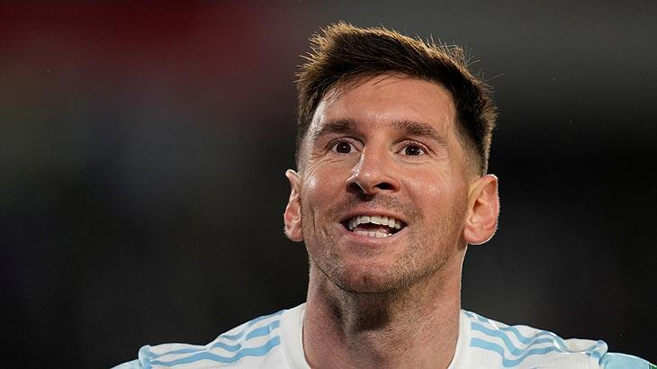 Lionel Messi hat-trick yaparak rekor kırdı
