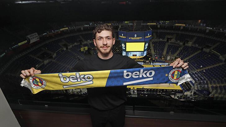 Son dakika transfer haberi: Beşiktaş Şehmus Hazer'in Fenerbahçe Beko'ya transfer olduğunu açıkladı!