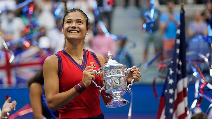 Şampiyon tenisçi Raducanu sırlamada fırladı!