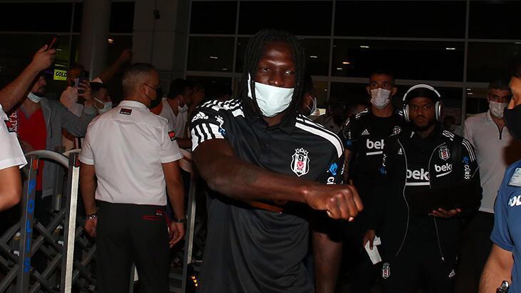 Son dakika haberi: Beşiktaş kafilesi Antalya'ya ulaştı