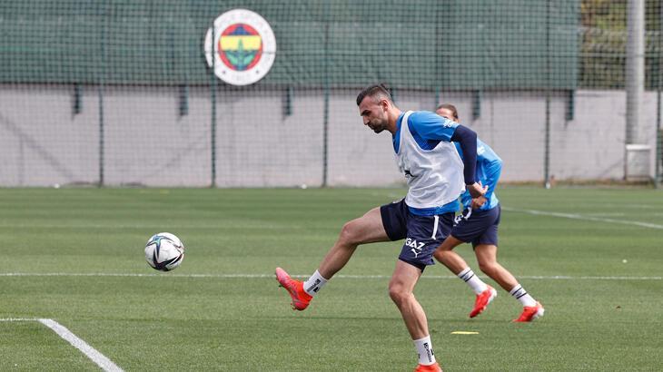 Fenerbahçe'ye Serdar Dursun müjdesi