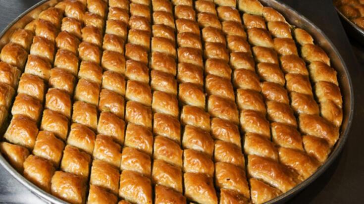 Baklava tarifi malzemeleri - Baklava hamuru nasıl yapılır? Ev baklavası yapımı
