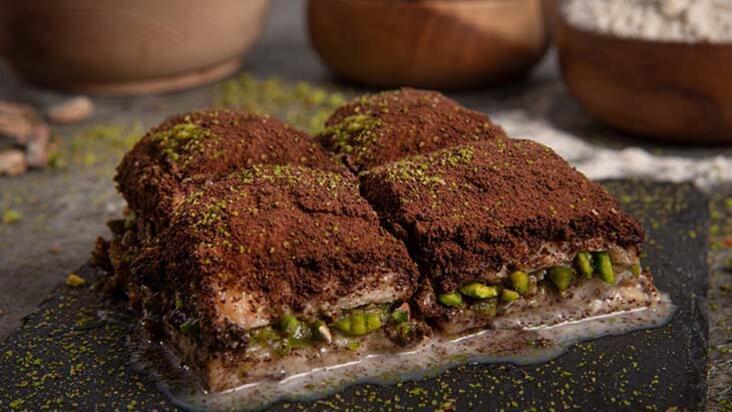 Yaz aylarının vazgeçilmezi oldu: Bitter çikolatayla kaplanan soğuk baklava