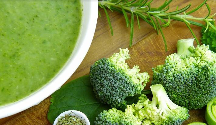 Brokoli çorbası tarifi | Kış aylarının vazgeçilmezi kremalı brokoli çorbası nasıl yapılır?