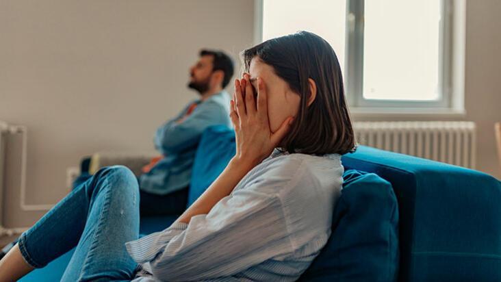 Mutsuz bir ilişkiyi neden bitiremeyiz?