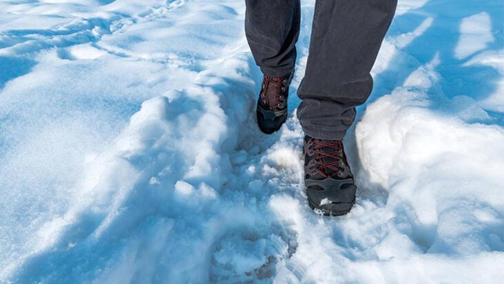 Karda düşmeden güvenli şekilde yürümenin 10 kuralı