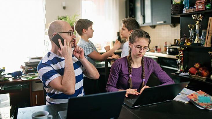 Ebeveynlere öneriler: Pandemi sürecinde aile içi iletişim nasıl olmalı?