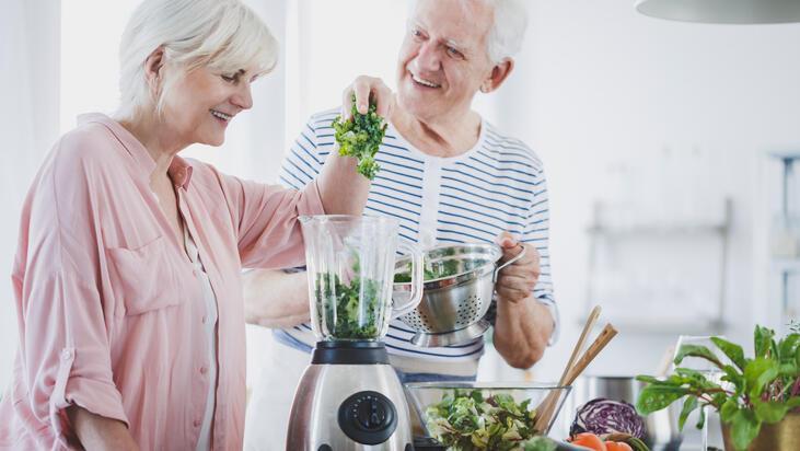 Yaşlılarda sağlıklı ve dengeli beslenme için öneriler