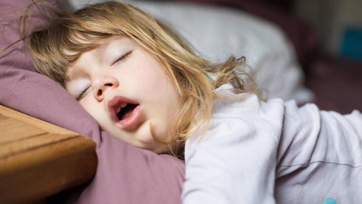 Çocuklarda ortaya çıkan horlama hangi hastalığın belirtisi?