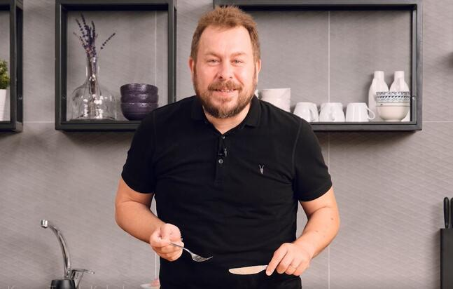 Yunus Emre Akkor'la Kırma Tavuk Kebabı Tarifi