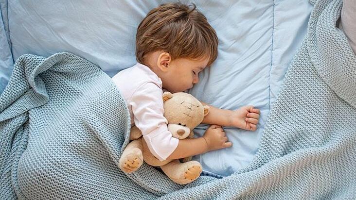 Bebeğinize uyku eğitimi verirken dikkat etmeniz gerekenler