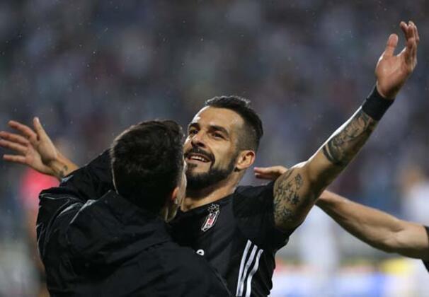Beşiktaş'ta Alvaro Negredo transferi ile ilgili sıcak saatler yaşanıyor...(Serdar Sarıdağ / Skorer Özel)