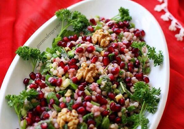 Buğday Salatası TarifiMalzemeler: