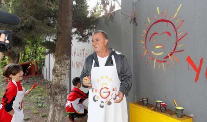 23 Nisan Ulusal Egemenlik ve Çocuk Bayramı kapsamında Florya Metin Oktay Tesisleri'nde çocuklara özel sürpriz bir etkinlik düzenlendi.(Fotoğraflar Galatasaray.org'tan alınmıştır)