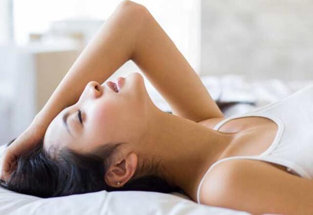 Araştırmaya katılan kadınlar ortalama olarak 26 yaşında olmakla birlikte kendilerine cinsel deneyimleri ile ilgili yapılan anketi tamamladılar. Araştırmanın sonunda her 4 kadından birisinin haftada üç defa mastürbasyon yaptığı saptandı. Kadınların çoğu rahatlamak için bu yolu seçtiğini söylerken uzmanlar sonucun şaşırtıcı olmadığını vurguladı. Aynı zamanda katılımcıların büyük bir çoğunluk, kadınların cinsel zevkini araştıran çalışmaların artması için destek verebileceklerini söyledi.Her beş kadından biri mastürbasyonu cinsel ilişkiye tercih ediyor!